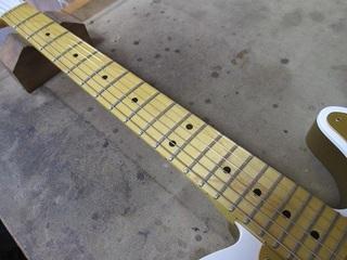 guitar212.jpg