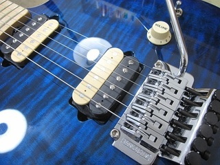 guitar352.jpg